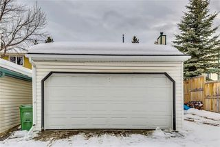 Photo 27: 207 STRATHEARN Crescent SW in Calgary: Strathcona Park House for sale : MLS®# C4165815