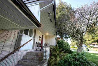 """Photo 2: 4652 WESLEY Drive in Delta: English Bluff House for sale in """"THE VILLAGE"""" (Tsawwassen)  : MLS®# R2241920"""