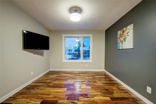 Photo 3: 6256 SILVER SPRINGS Hill(S) NW in Calgary: Silver Springs House for sale : MLS®# C4171864