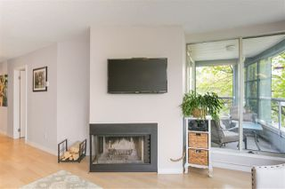"""Photo 4: 305 1705 NELSON Street in Vancouver: West End VW Condo for sale in """"THE PALLADIAN"""" (Vancouver West)  : MLS®# R2265496"""