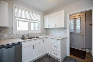 Photo 8: 956 Mulvey Avenue in Winnipeg: Crescentwood Residential for sale (1Bw)  : MLS®# 1824196