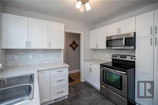 Photo 10: 956 Mulvey Avenue in Winnipeg: Crescentwood Residential for sale (1Bw)  : MLS®# 1824196