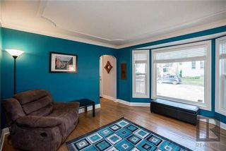 Photo 2: 956 Mulvey Avenue in Winnipeg: Crescentwood Residential for sale (1Bw)  : MLS®# 1824196
