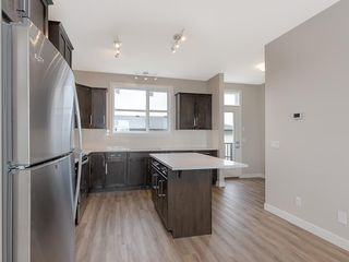 Photo 6: 40 SKYVIEW Circle NE in Calgary: Skyview Ranch Row/Townhouse for sale : MLS®# C4204570