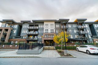 Main Photo: 203 20062 FRASER Highway in Langley: Langley City Condo for sale : MLS®# R2321107