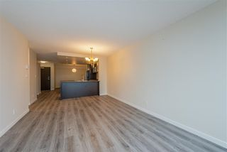 "Photo 14: 901 3111 CORVETTE Way in Richmond: West Cambie Condo for sale in ""Wall Centre"" : MLS®# R2329574"