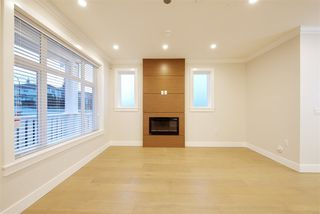 Photo 4: 1311 E 13TH Avenue in Vancouver: Grandview VE House 1/2 Duplex for sale (Vancouver East)  : MLS®# R2354264
