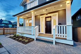 Photo 3: 1311 E 13TH Avenue in Vancouver: Grandview VE House 1/2 Duplex for sale (Vancouver East)  : MLS®# R2354264