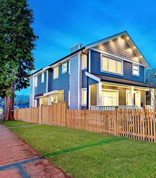 Photo 1: 1311 E 13TH Avenue in Vancouver: Grandview VE House 1/2 Duplex for sale (Vancouver East)  : MLS®# R2354264