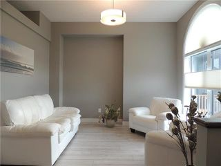 Photo 2: 294 Philip Lee Drive in Winnipeg: Transcona Residential for sale (3K)  : MLS®# 1907479