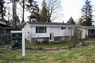 Photo 2: 7990 BURDOCK Street in Mission: Mission BC House for sale : MLS®# R2358579