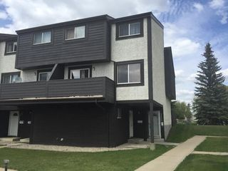 Main Photo: 1562A 69 Street in Edmonton: Zone 29 Townhouse for sale : MLS®# E4158171