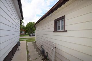 Photo 17: 285 ROSEBERRY Street in Winnipeg: St James Residential for sale (5E)  : MLS®# 1915737