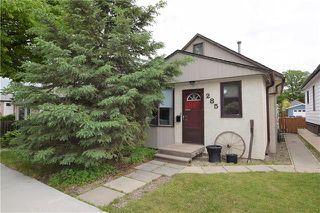 Photo 1: 285 ROSEBERRY Street in Winnipeg: St James Residential for sale (5E)  : MLS®# 1915737