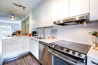 """Photo 10: 15 6868 BURLINGTON Avenue in Burnaby: Metrotown Townhouse for sale in """"Metro"""" (Burnaby South)  : MLS®# R2381005"""
