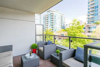 "Main Photo: 401 172 VICTORY SHIP Way in North Vancouver: Lower Lonsdale Condo for sale in ""ATRIUM AT THE PIER"" : MLS®# R2381191"