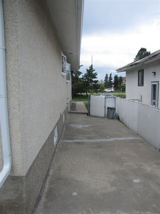 Photo 3: 6703 137 Avenue in Edmonton: Zone 02 House for sale : MLS®# E4162966