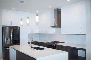 Photo 5:  in Edmonton: Zone 18 House for sale : MLS®# E4163507