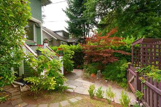 Photo 2: 6 W 11TH Avenue in Vancouver: Mount Pleasant VW House 1/2 Duplex for sale (Vancouver West)  : MLS®# R2387721