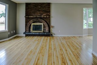 Photo 4: 15403 105 Avenue in Edmonton: Zone 21 House Half Duplex for sale : MLS®# E4172818