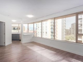 "Photo 6: 911 1177 HORNBY Street in Vancouver: Downtown VW Condo for sale in ""LONDON PLACE"" (Vancouver West)  : MLS®# R2403414"