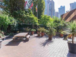 "Photo 18: 911 1177 HORNBY Street in Vancouver: Downtown VW Condo for sale in ""LONDON PLACE"" (Vancouver West)  : MLS®# R2403414"