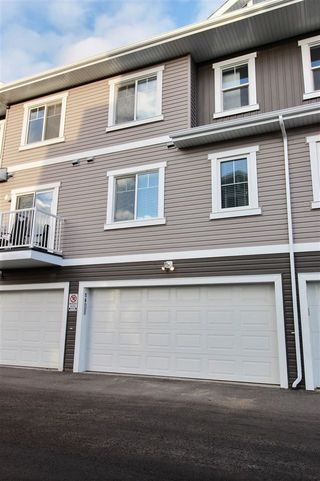 Photo 3: 50 1140 Chappelle Boulevard in Edmonton: Zone 55 Townhouse for sale : MLS®# E4176399
