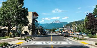 """Photo 2: 206 37881 CLEVELAND Avenue in Squamish: Downtown SQ Condo for sale in """"The Main"""" : MLS®# R2421416"""