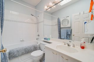 "Photo 14: 40 20881 87 Avenue in Langley: Walnut Grove Townhouse for sale in ""KEW GARDENS"" : MLS®# R2438274"