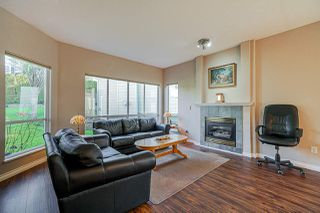 "Photo 3: 40 20881 87 Avenue in Langley: Walnut Grove Townhouse for sale in ""KEW GARDENS"" : MLS®# R2438274"
