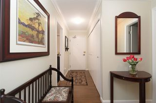 """Photo 2: 202 225 MOWAT Street in New Westminster: Uptown NW Condo for sale in """"THE WINDSOR"""" : MLS®# R2446484"""