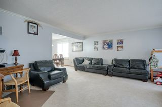 Photo 3: 679 LEE_RIDGE Road in Edmonton: Zone 29 House for sale : MLS®# E4194807