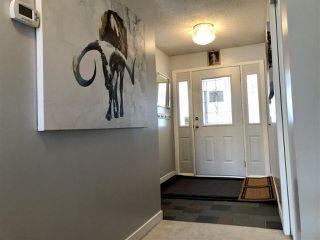 Photo 2: 679 LEE_RIDGE Road in Edmonton: Zone 29 House for sale : MLS®# E4194807