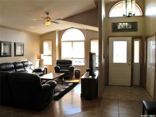 Photo 3: 408 1st Street in Lampman: Residential for sale : MLS®# SK810899