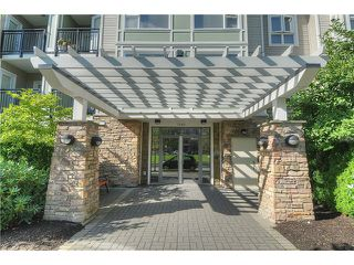 "Photo 2: 104 7089 MONT ROYAL Square in Vancouver: Champlain Heights Condo for sale in ""CHAMPLAIN HEIGHTS"" (Vancouver East)  : MLS®# V913408"