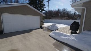 Photo 3: 883 Kildonan Drive in Winnipeg: Residential for sale : MLS®# 1203838