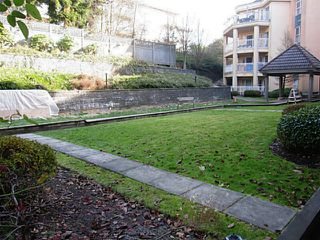 "Photo 8: 111 519 12TH Street in New Westminster: Uptown NW Condo for sale in ""KINGSGATE"" : MLS®# V1051034"