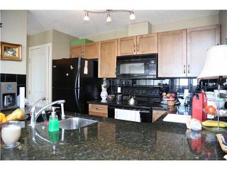 Photo 4: 5 216 VILLAGE Terrace SW in CALGARY: Prominence_Patterson Condo for sale (Calgary)  : MLS®# C3607574