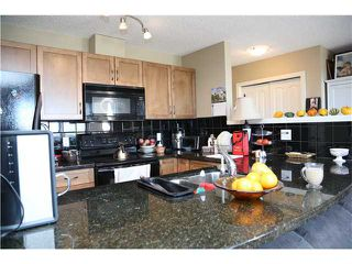 Photo 5: 5 216 VILLAGE Terrace SW in CALGARY: Prominence_Patterson Condo for sale (Calgary)  : MLS®# C3607574