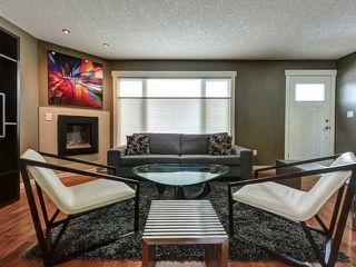 Photo 2: 936 15 Avenue NE in Calgary: Renfrew_Regal Terrace Residential Detached Single Family for sale : MLS®# C3650147