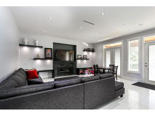 Photo 8: 4038 RUMBLE ST - LISTED BY SUTTON CENTRE REALTY in Burnaby: Suncrest House for sale (Burnaby South)  : MLS®# V1122974