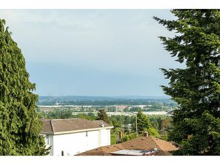 Photo 14: 4038 RUMBLE ST - LISTED BY SUTTON CENTRE REALTY in Burnaby: Suncrest House for sale (Burnaby South)  : MLS®# V1122974