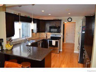 Photo 6: 11 Buckle Drive in WINNIPEG: Charleswood Residential for sale (South Winnipeg)  : MLS®# 1517415
