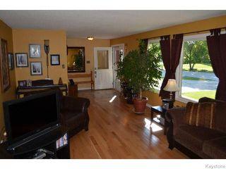 Photo 4: 11 Buckle Drive in WINNIPEG: Charleswood Residential for sale (South Winnipeg)  : MLS®# 1517415