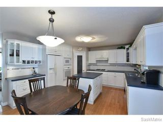 Photo 3: 46 WHEELER Crescent in Regina: Walsh Acres Single Family Dwelling for sale (Regina Area 01)  : MLS®# 551653