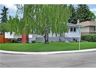 Photo 2: 203 41 Avenue NW in Calgary: Highland Park House for sale : MLS®# C4035983
