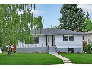 Photo 1: 203 41 Avenue NW in Calgary: Highland Park House for sale : MLS®# C4035983