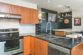 "Photo 7: 414 1633 MACKAY Avenue in North Vancouver: Pemberton NV Condo for sale in ""TOUCHBASE"" : MLS®# R2015342"