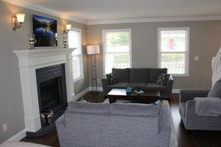 """Photo 2: 21071 45 Place in Langley: Brookswood Langley House for sale in """"Cedar Ridge"""" : MLS®# R2051177"""