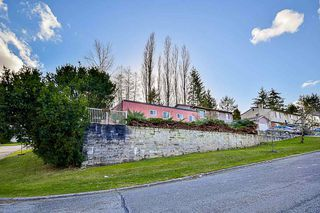 Photo 2: 7887 SUNCREST Drive in Surrey: East Newton House for sale : MLS®# R2125728